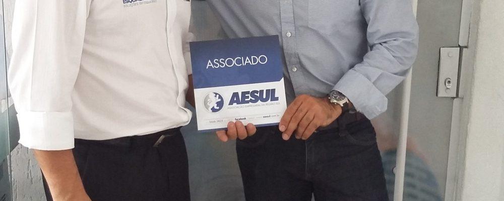 Academia Ams 700105102015000638 (1)